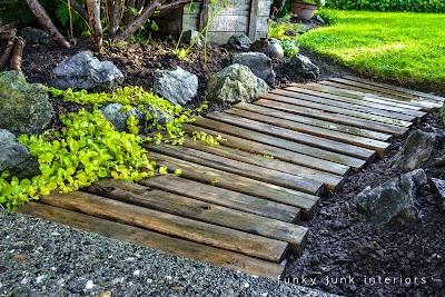 Pallet walkways